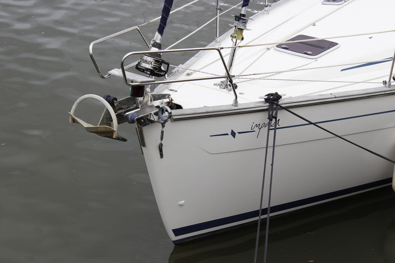 File:Bavaria 46 Cruiser bow.JPG